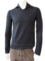 Jan & Carlos V-necked pullover