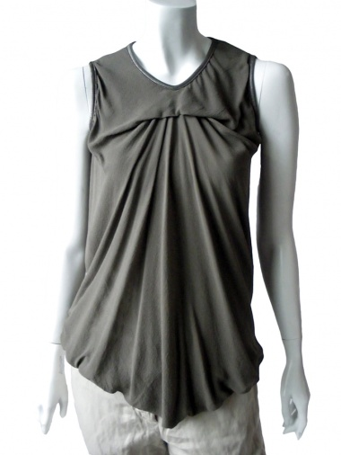 Nicolas & Mark Sleeveless T-Shirt with draped collar