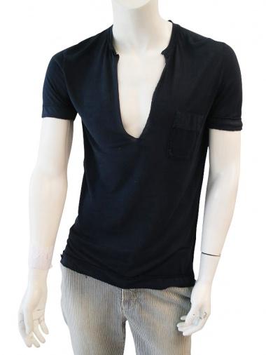 Nicolas & Mark V-neck T-shirt