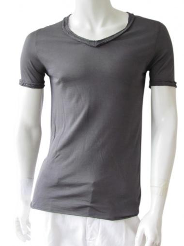 Nicolas & Mark V-necked T-Shirt
