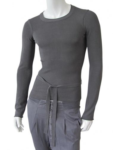 Vic-Torian T-shirt with belt